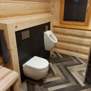 dom z bali wnętrze łazienka